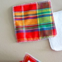 Lingette lavable madras rouge